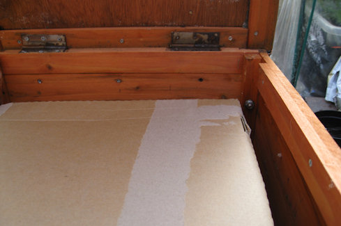 add a cardboard box to the hutch bed